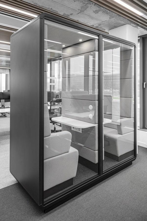 Small acoustic office pod hushTwin